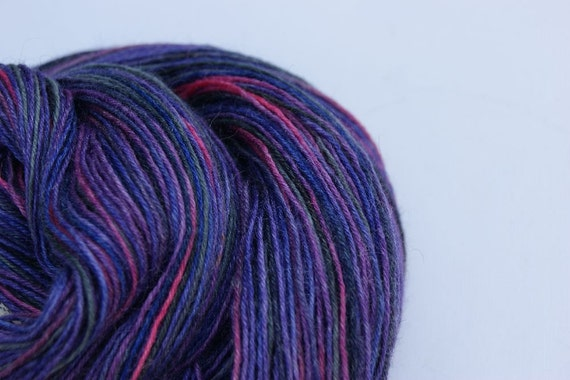 Handpainted Yarn with bamboo and silk lila pink grey