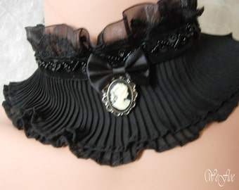 Choker collar necklace pleated lace collar black white Gothic neck corset scarfette
