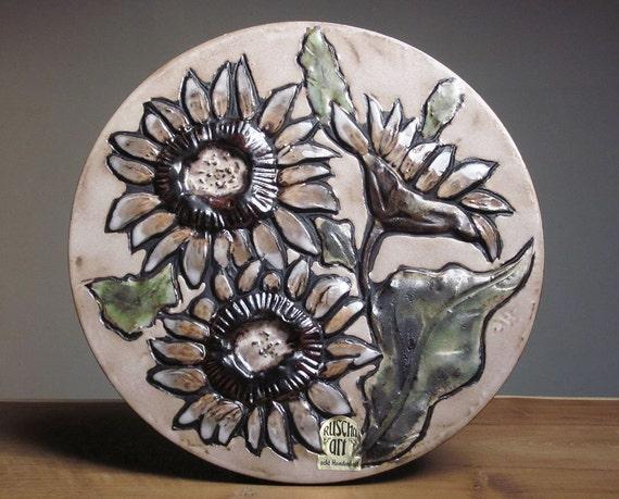 Ruscha wall plate with a sunflower decor