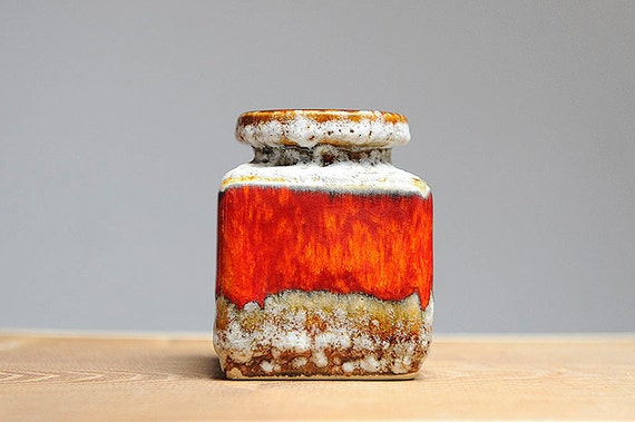 Small square fat lava vase by Jopeko (907/10)