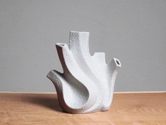 Mid Century porcelain Koralle vase by Peter Muller (Sgrafo Modern)