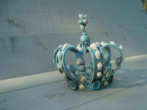 RESERVE LISTING for DICCI Turquoise Seashell Crown