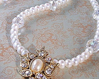 Ivory pearl bridal necklace - pearl and crystal vintage pendant - 14K gold necklace