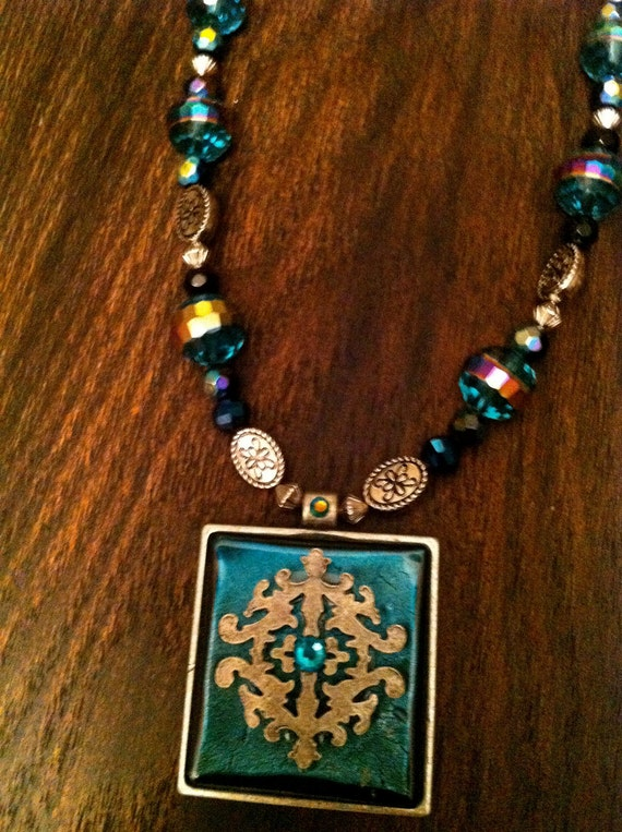 Turquoise metal Pendant Necklace