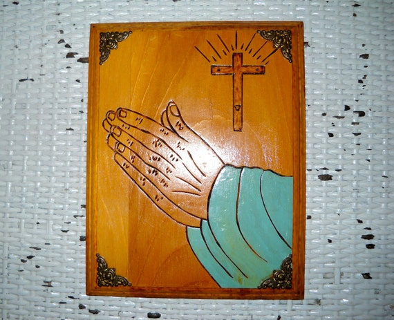 1930's Christian Folk Art Praying Hands Wood Plaque    - WA5