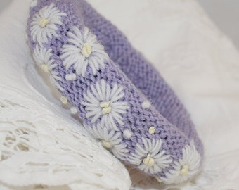 Embroidered Bangle - Daisies on Lilac
