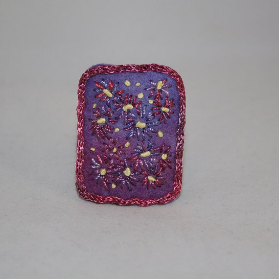 Embroidered Brooch - Lilac daisies on hand-dyed felt.