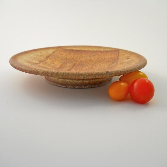 Snack plate in deep yellow and tan