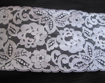 Vintage Extra Wide Ivory Off White Floral Lace  - 5.5 Inches Wide - 2 yards #26L