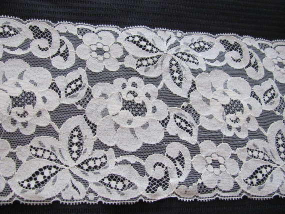 Vintage Extra Wide Ivory Floral Lace  - 6 Inches Wide - 1.5 Yards total