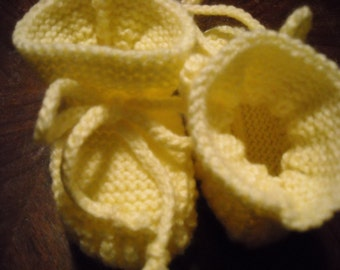 Hand Knit - Stay-on Yellow Baby Booties - Size 3 to 6 Month
