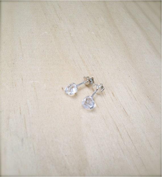 DOLCE VITA - Raw Herkimer Diamond Sterling Silver Stud Earrings