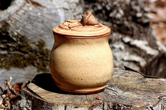 Pottery- Lidded Pot  - Acorn  Bowl - Light Brown