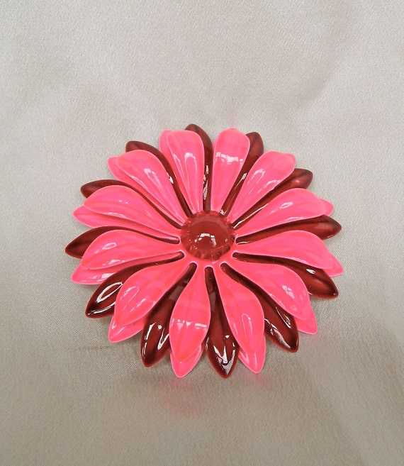 Vintage 1960s Hot Pink and Deep Red Enamel Daisy Pin / Brooch Totally Cool
