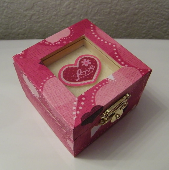 Red Heart Printed Wooden Trinket Box