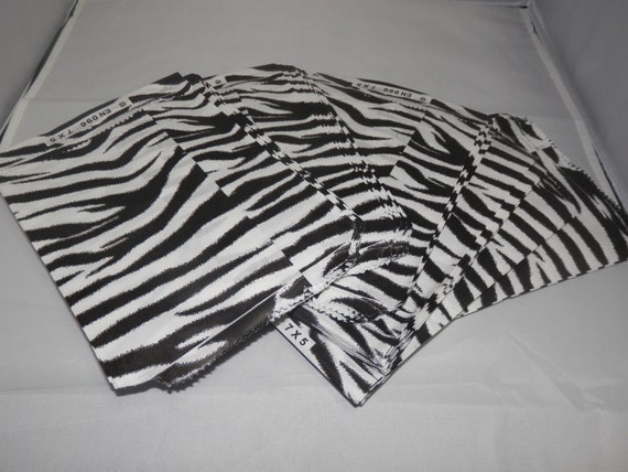 100 Size 5x7 Zebra Print Paper Merchandise Black and White Gift favor Bags