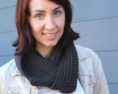 Crochet Pattern PDF. Quick weave cowl. Easy pattern with US, UK and symbol chart instructions.