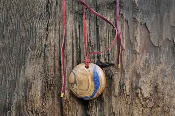 Olivewood pendant and lapis