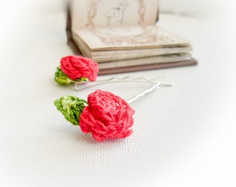 Red Roses. Crochet flower bobby pin bridal hair accessory. Rustic wedding, flower girl, bridesmade, Shabby chic style