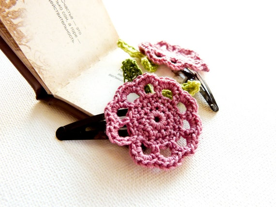 Wedding honeysuckle pink green  crochet  flower hair clip Shabby chic  accessories. Bridesmade party