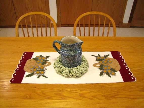 Basket Weave Table Runner Pattern : Off pattern woven baskets table runner from