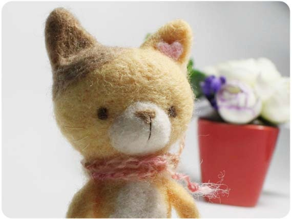 Hami Cat - needle felted wool cat