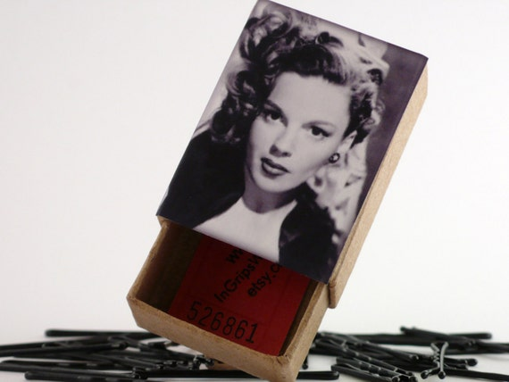 Judy Garland Vintage Style Box With Hair Grips choose from 5 Colours