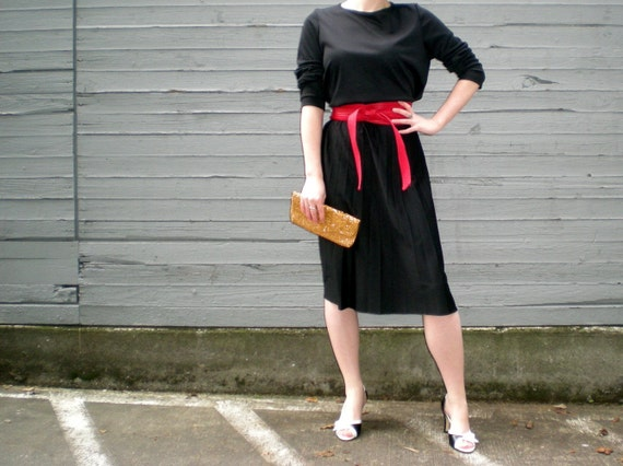 vintage 80s little black dress with pleated skirt. size large - extra large.