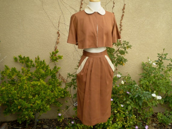 Vintage 1940s 1950s light brown and tan reversible Peter Pan collar capelet top with matching skirt size XS