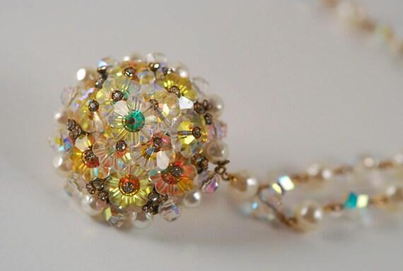Aurora borealis flapper necklace