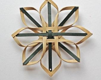small woven Carolina Snowflake in walnut and green