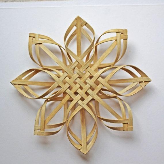 Large Woven Carolina Snowflake in walnut