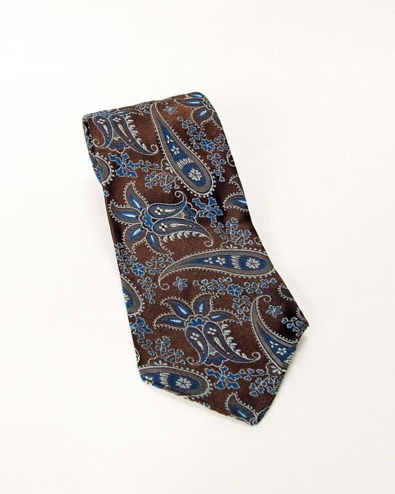 Attractive Brown Paisley Tie - HG Distinctive Neckwear circa 1970s