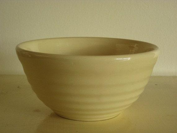 Bauer USA Pottery Mixing Bowl Ringware 24