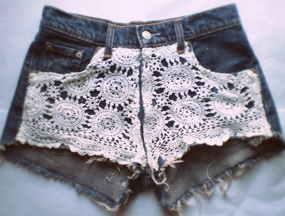 Vintage Crochet Levi 450's Cut Off Denim Shorts XS
