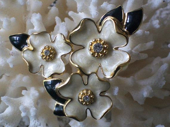 trifari enamel dogwood pin/brooch