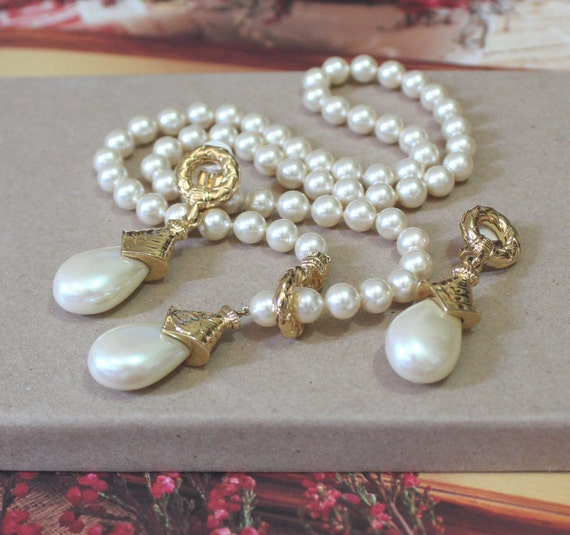 Vintage Jewelry Set, Vintage Pearl Necklace and Earrings SIGNED