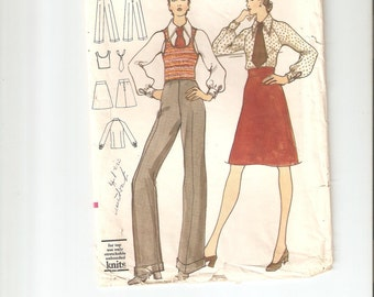 Vintage Sewing Pattern Vogue 8404 for Blouse, Tie, Skirt and Pants, 1960s, Size 14