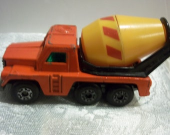 Vintage 1976 Matchbox No. 19 Cement Truck