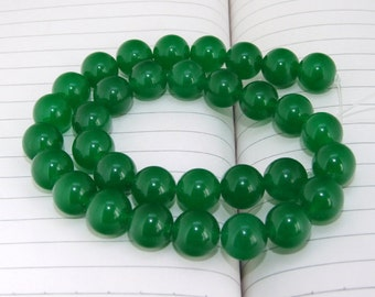 """strand Round Green Jade Beads ----- 12mm ----- about 32 Pieces ----- gemstone beads--- 15"""" in length"""