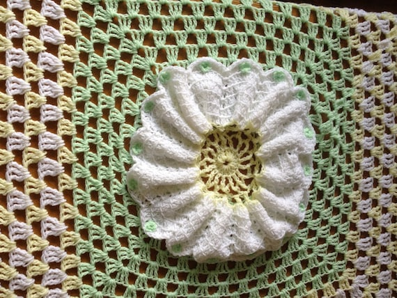 SALE,Unique hand crochet/knitted baby daisy flower afghan,blanket,neutral colours,boy or girl,baby shower gift,new baby gift,square.