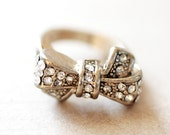 Vintage Gold Rhinestone Bow Ring - Costume Jewelry