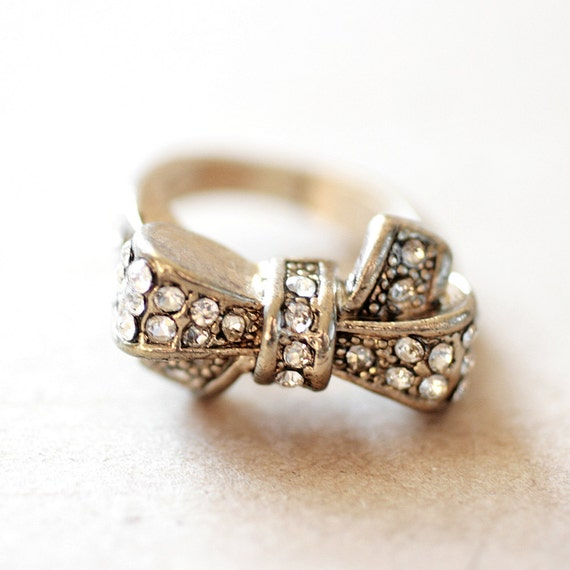 vintage gold rhinestone bow ring costume jewelry