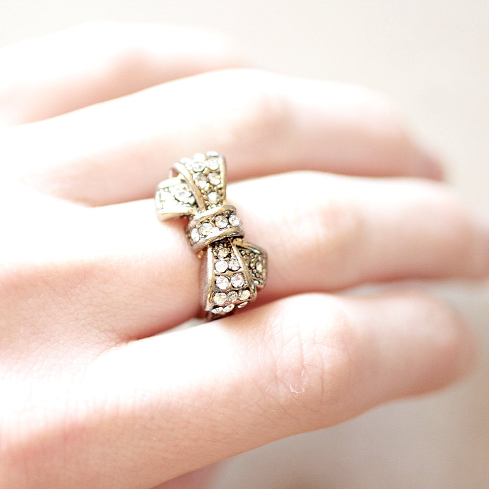 vintage gold rhinestone bow ring costume jewelry by thegoodbee