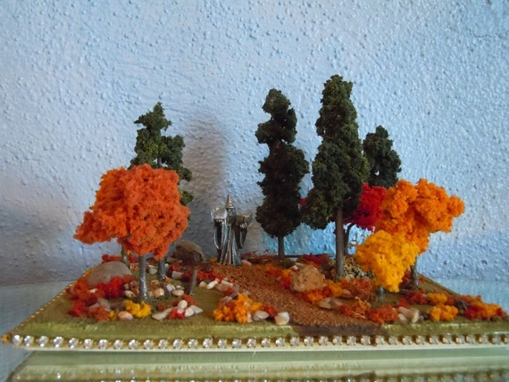 Woodland Scene - diorama - Autumn colors - Pewter Wizard - artist signed