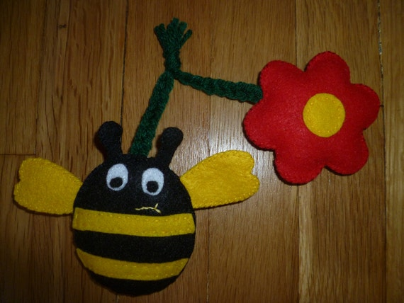 Bumble Bee & Flower Organic Catnip Cat Toy