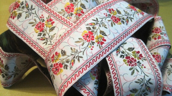 Embroidered Ribbon Ivory / Raspberry Floral, 1 1/2 inch wide, 1 yard, For Home Decor, Accesories, Apparel, Victorian & Romantic Crafts