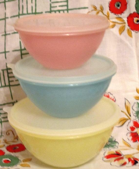 3 Nesting Wonderlier Bowls from Tupperware