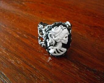 skull cameo ring