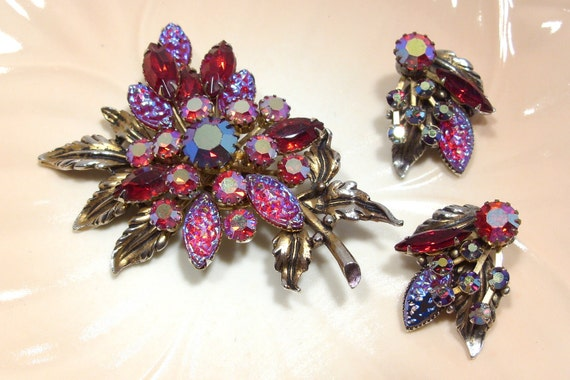 Beaujewels Unmarked Red Rhinestone Brooch and Earrings